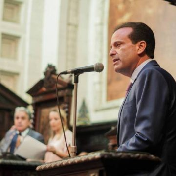 Estado do Rio paga salários de março dos servidores no próximo dia 15