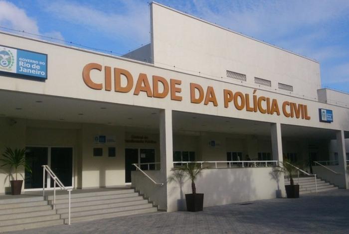 Polícia prende suspeitos de lavar dinheiro da milícia e movimentar R$ 189 milhões desde 2016 na Baixada