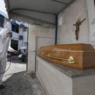 Brasil registra 105 mortes em 24h; óbitos por covid-19 chegam a total de 1.328