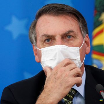 Bolsonaro diz que retomada de atividades pode levar quatro meses