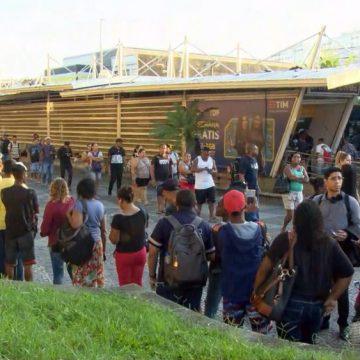 Coronavírus: Crivella anuncia decreto para estabelecer turnos de trabalho e evitar aglomerações nos transportes