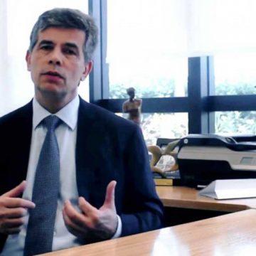 Bolsonaro ouve Teich e presidente da AMB, mas avalia solução caseira para Saúde