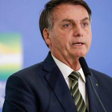 Bolsonaro diz que apresentará exames de covid-19 se AGU perder recurso