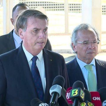 'Homem que decide a economia no Brasil é um só: Paulo Guedes', diz Bolsonaro
