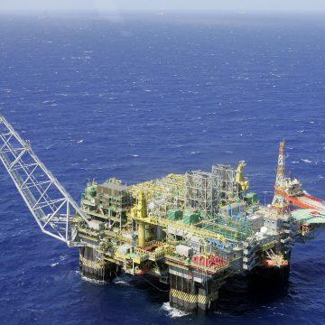 Petrobras vai paralisar ao menos 45 plataformas no Nordeste e Sudeste em abril