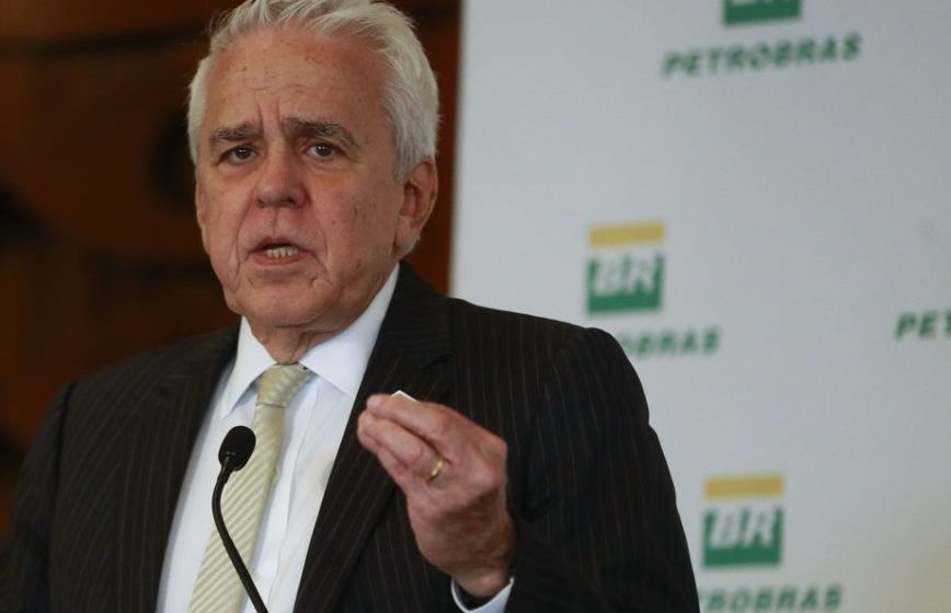Presidente da Petrobras descarta demissão em massa na companhia