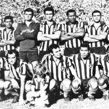 Heróis dos títulos do Botafogo lembram conquistas da Pequena Taça do Mundo