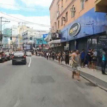 Caxias é a 2ª cidade do RJ com mais mortes por Covid-19, tem 100% de ocupação de leitos de CTI e 'fura' isolamento