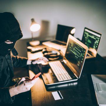Ataques a dispositivos móveis subiram 124% no março do 'home office'; saiba como evitar