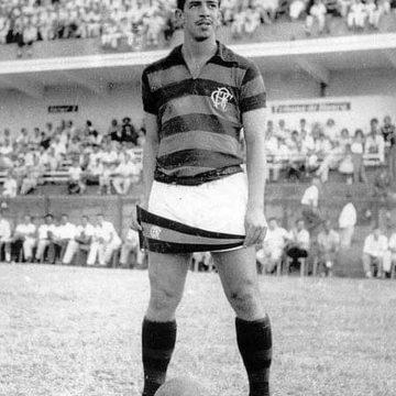 Parceiro de Dida, valente e fã de treinos: conheça Henrique, o terceiro maior artilheiro da história do Flamengo