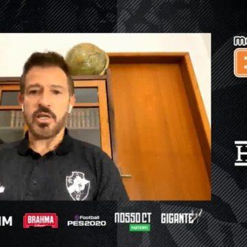 Ramon aumenta banda de internet para rever jogos do Vasco e conversar com jogadores