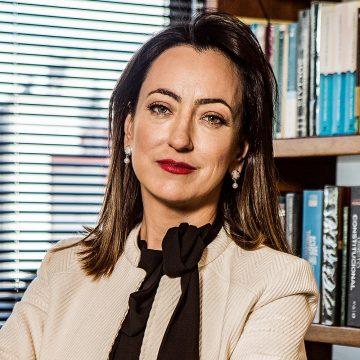 Rosângela Moro lamenta mentiras e ofensas propagadas por 'robôs ou pessoas'