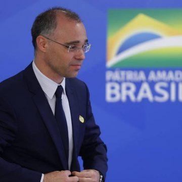 AGU informa ao STF que governo Bolsonaro apoia isolamento social contra coronavírus