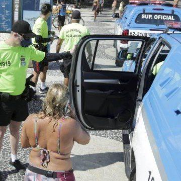 Coronavírus: Mulher do deputado Luiz Lima é detida na Praia de Copacabana por desrespeitar decreto no Rio