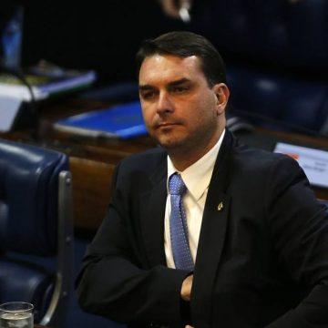 'Fortes indícios de materialidade e autoria de crimes', diz ministro do STJ ao negar recurso de Flávio Bolsonaro