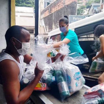ONG´s do Vidigal se unem e ajudam mais de duas mil famílias da comunidade com doações