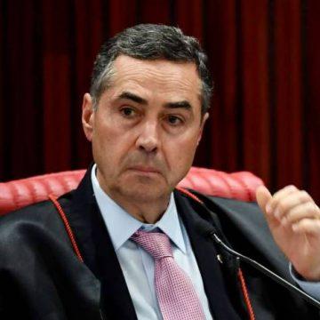 Barroso manda recado para militares: 'Não é um governo das Forças Armadas'