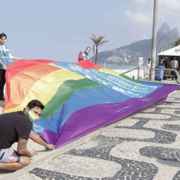 Prefeitura do Rio promove manifesto em Ipanema contra homofobia