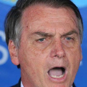 Bolsonaro: 'É fácil impor uma ditadura no Brasil, por isso eu quero que o povo se arme'