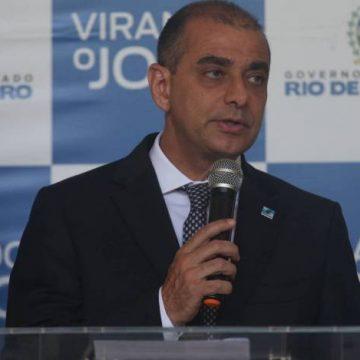 Investigado por desvios, Edmar Santos pede demissão de cargo no governo Witzel