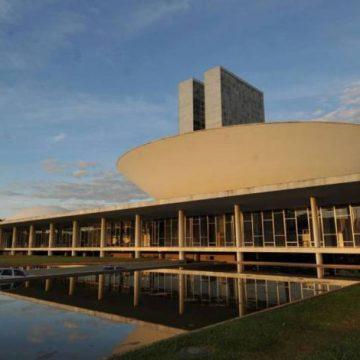 Centrão critica Bolsonaro e apoio vira alvo de discussão após saída de Teich