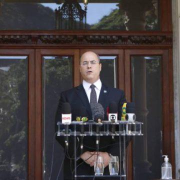 'Flávio Bolsonaro tinha que estar preso', comenta Witzel ao falar sobre ação da PF