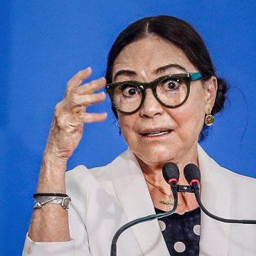 Regina Duarte deixa a secretaria de Cultura