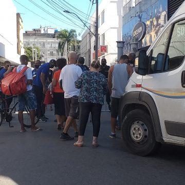 Novas medidas restritivas começou hoje em Nova Iguaçú e o Povo está nas ruas