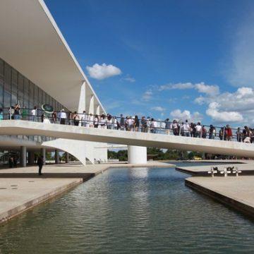 Generais do Palácio do Planalto são contra militar assumindo a Saúde