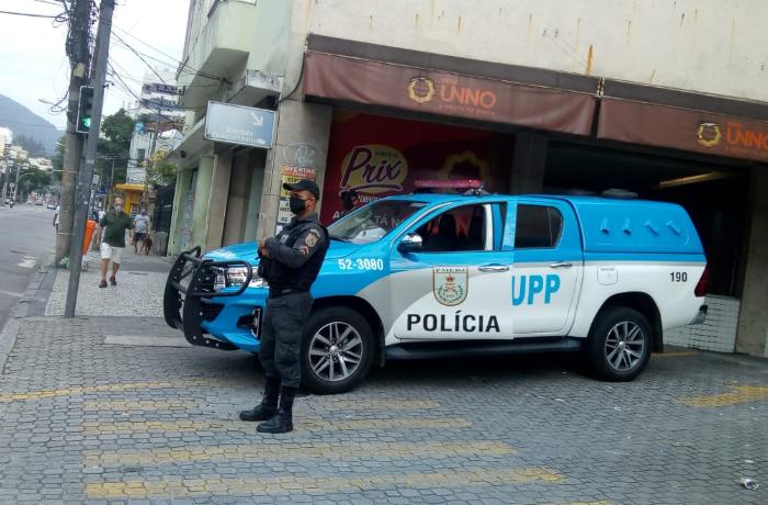 Mais de 300 PMs que atuam em UPPs do RJ estão afastados por conta da Covid-19