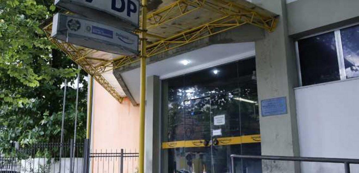 Suspeito de integrar o tráfico de drogas em Niterói, RJ, é preso