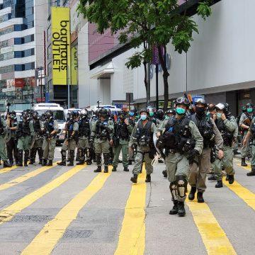Protesto contra imposição de leis pela China em Hong Kong é dispersado com gás