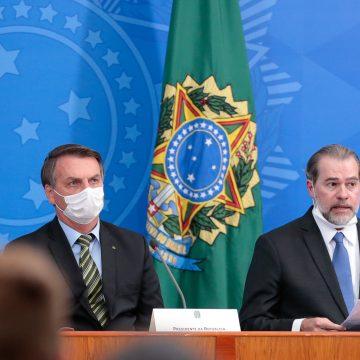 Bolsonaro visita Dias Toffoli em hospital de Brasília