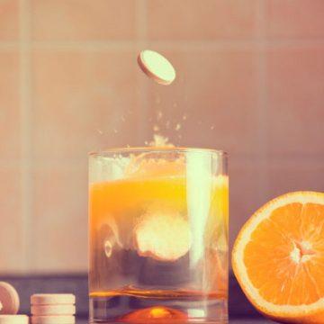 Vitamina C pode te proteger contra o coronavírus? Checamos a informação