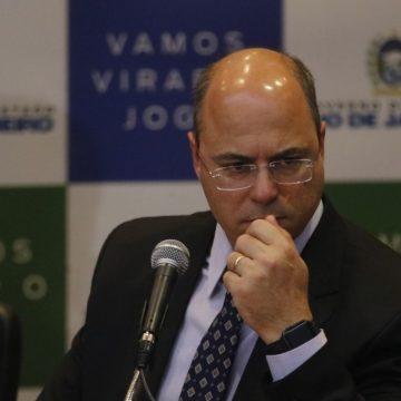 Governador Witzel demite Secretário de saúde e estuda afastamento de mais três