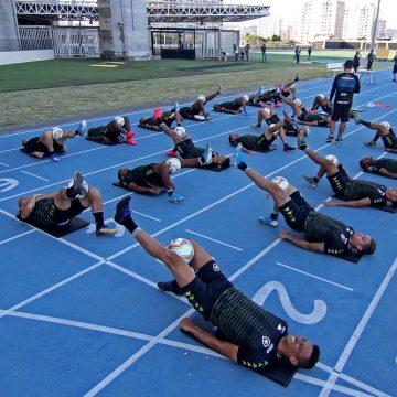 Botafogo demite mais de 40 funcionários e ainda não avalia redução dos salários dos atletas