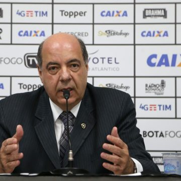 Botafogo não prevê novas demissões e estuda suspensão de contratos e redução de salários