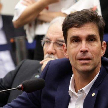 Deputado bolsonarista, mulher e filha, detidas no Rio durante quarentena, pegaram Covid-19