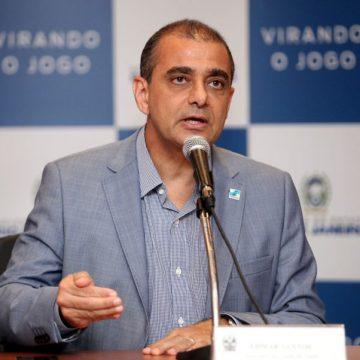 RIO DE JANEIRO Justiça suspende nova nomeação do ex-secretário estadual de Saúde Edmar Santos