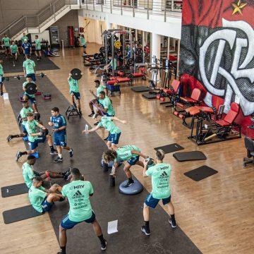 Flamengo adquire mais testes de coronavírus e planeja exames semanais no departamento de futebol