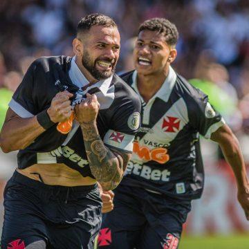 Com influência dos líderes do elenco, Vasco paga salário de janeiro a atletas que ganham até R$ 50 mil