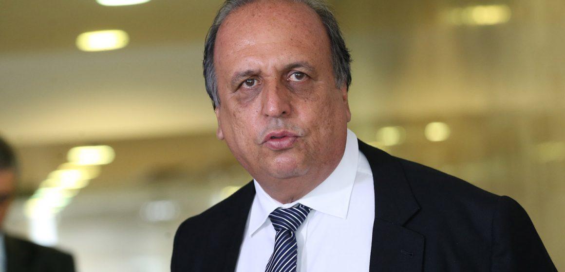 Pezão e ex-deputado estadual são alvos de operação por fraudes no Arco Metropolitano