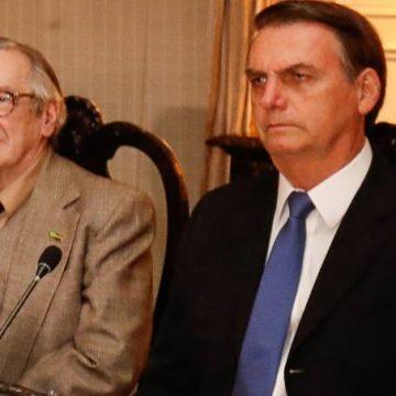 Olavo de Carvalho propaga fake news de prisão de Witzel e Doria