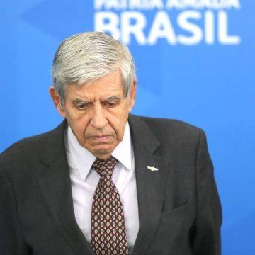 Celso de Mello envia à PGR pedido de impeachment contra Augusto Heleno