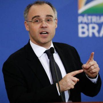 Governo exonera mais dois superintendentes da PF
