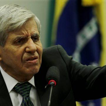 'Intervenção militar não resolve nada, ninguém está pensando nisso', diz Augusto Heleno