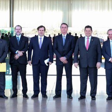 Bolsonaro organiza reunião com governadores, STF e Congresso