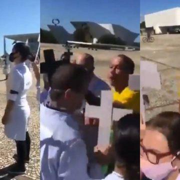 Em protesto em Brasília, enfermeiros são agredidos por apoiadores de Bolsonaro