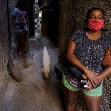 Moradores das favelas do Rio perdem vizinhos e parentes todo dia para o coronavírus: números de mortes assustam