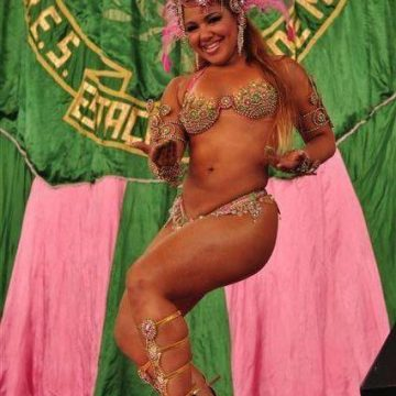 A GATA DO POVO: Julyana Clara, a musa da Mangueira